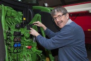 Peter de Haan, specialist smartfarmingtechniek bij Kramp. - Foto: Hans Banus