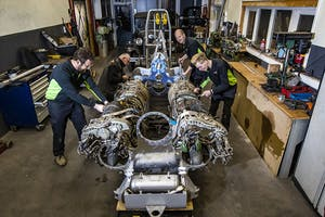 Het team werkt vol gas aan de nieuwe Light Modified. V.l.n.r.: Jan Bikker, Herbert Gerritsen Mulkes, Jelmer Baan en Brent Dekker.