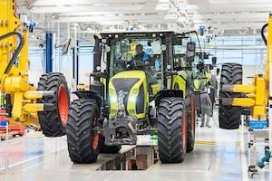 Claas heropent haar trekkerfabriek in het Franse Le Mans na een grondige verbouwing. Kosten: grofweg 40 miljoen euro. - Foto: Claas