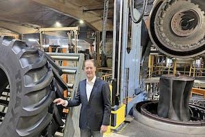 Ruud Nijland (64) Directeur van de landbouw- en industriebanden voorziet een verdubbeling van de productie in Enschede binnen zijn portfolio.